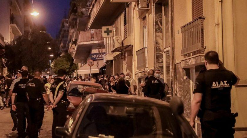 Σοκάρουν οι μαρτυρίες κατοίκων στα Πετράλωνα για τον βιασμό της 50χρονης |  Novasports