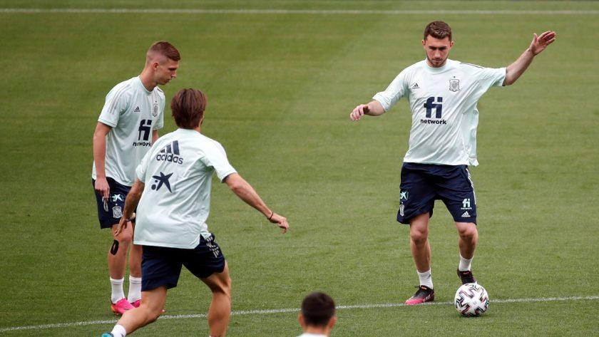 Dani Olmo and Aymeric Laporte in Spain training
