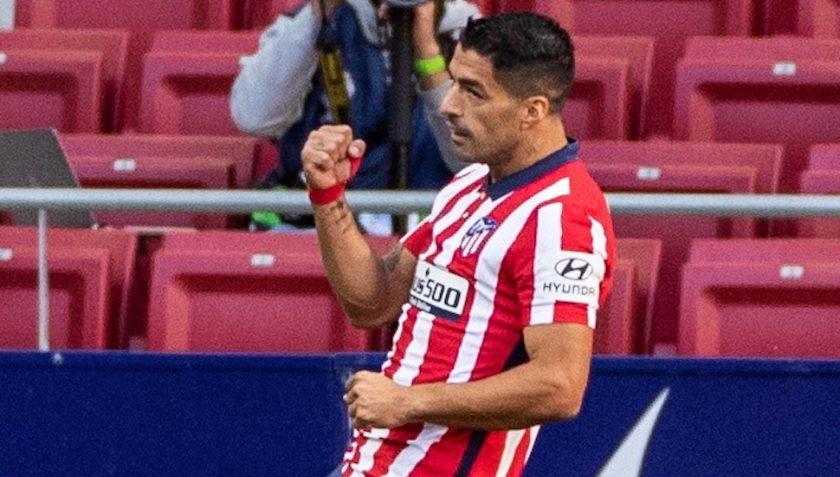 Luis Suarez injury scare